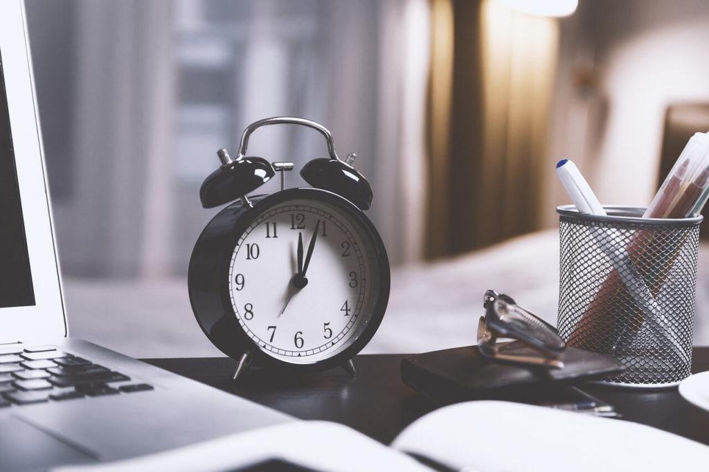alarm-clock-for-daylight-savings